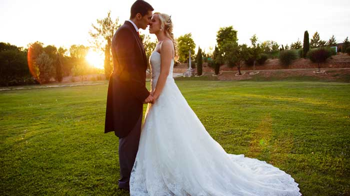 Cuando uno ve estas fotos de bodas tan hermosas nunca se imagina lo que pasa detrás de la cámara. hasta ahorita!