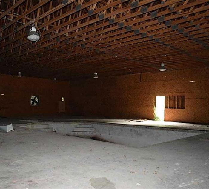 Gigantic 46 bedroom 26 bathroom house goes up for sale for 46 bedroom texas mansion