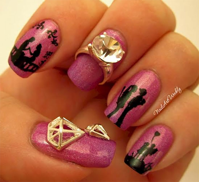 Sometimes the Manicurists Told a Story on Your Nails!